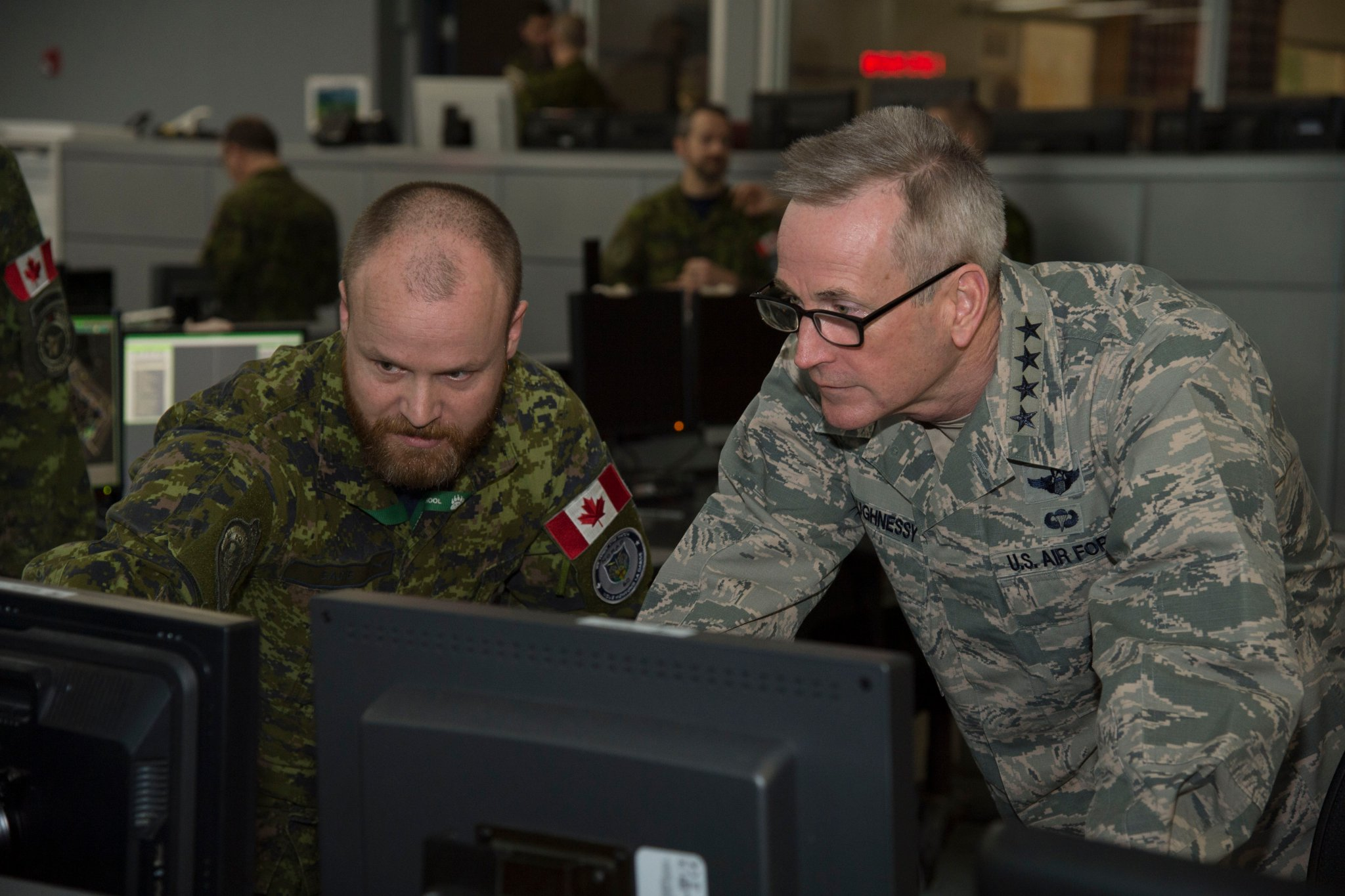 Gen. O'Shaughnessy visits 22 Wing in North Bay, Ont.
